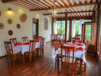 four gorillas lodge (Dining area Four Gorillas Lodge)